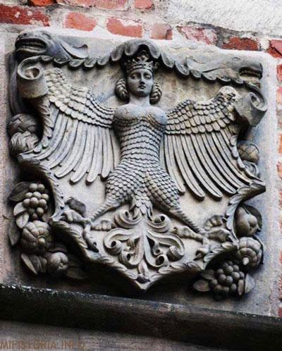 Гарпия в городе Эмден - фото на mifistoria.info