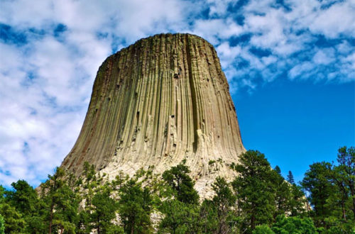Башня Дьявола, загадочное место в США - фото на mifistoria.info