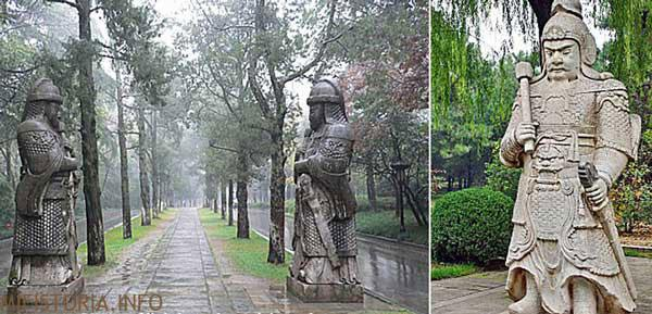 Статуи долины - фото на mifistoria.info