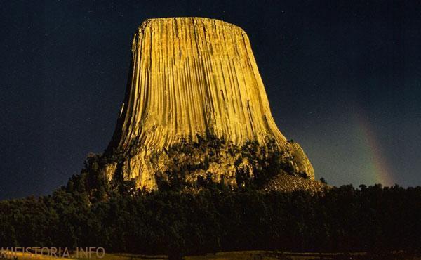 Башня Дьявола рассвет - фото на mifistoria.info