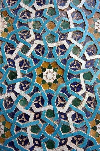 Пример оформления исламской напольной мозаики при помощи кельтского узла
