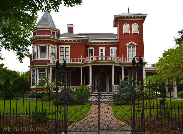 Дом Стивена Кинга - фото на mifistoria.info