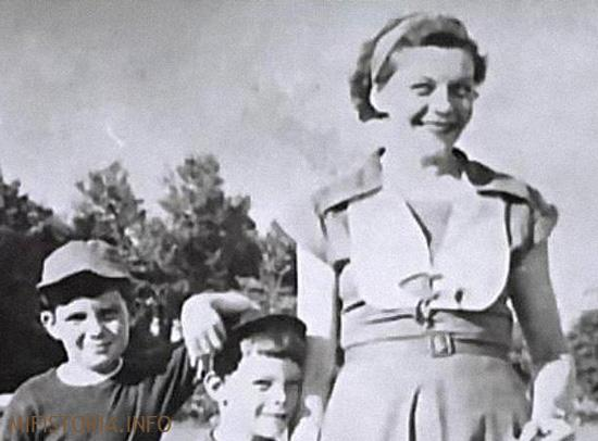 Рут с сыновьями - фото на mifistoria.info