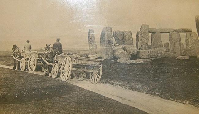 1885 год, английские фермеры,проезжающие мимо Стоухенджа