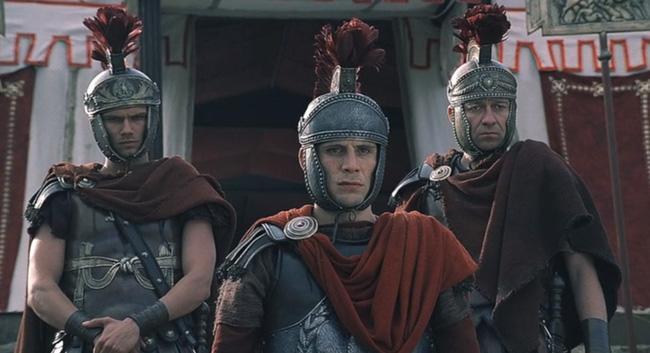 Кадр из фильма «Юлий Цезарь» 2002 года