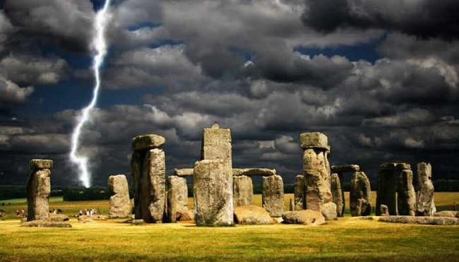 Камни Стоунхенджа, видевшие тысячелетия