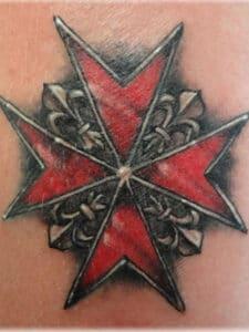 тату мальтийский крест