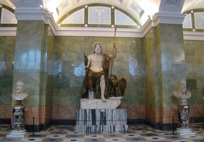 Памятник Зевса в Эрмитаже