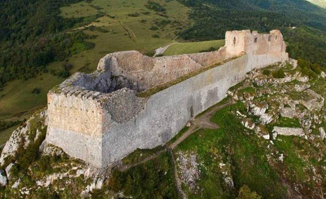 Замок Монсегюр, Франция