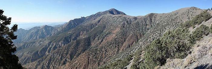 Вид на хребет с горы