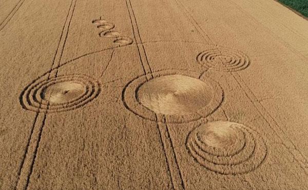 Рисунки на полях фото на mifistoria.info