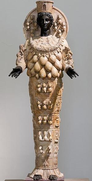 Древняя копия статуи Артемиды Эфесской