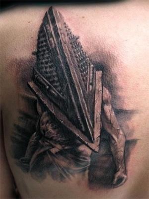 Пирамидоголовый тату