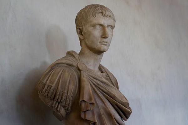 Бюст Гай Юлия Цезаря Октавиана Августа