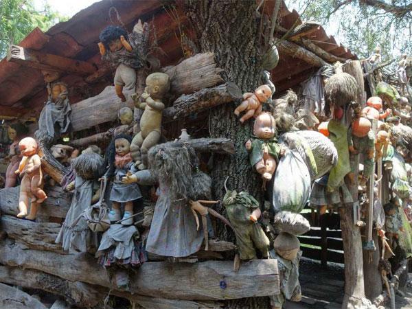 Хулиан Сантана собирал игрушки около 50 лет