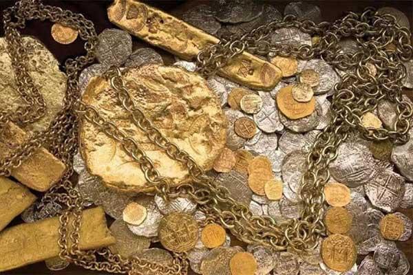 Сокровища рыцарей во все времена являлись объектом для зависти
