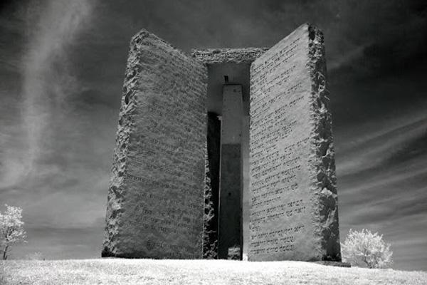 Скрижали Джорджии: фото монумента, основатель которого до сих пор неизвестен