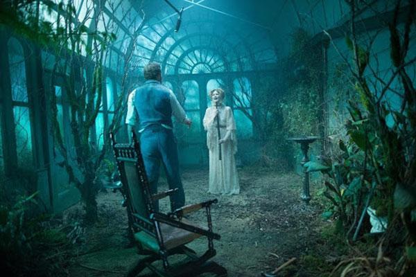 Кадр из фильма «Винчестер. Дом, который построили призраки»
