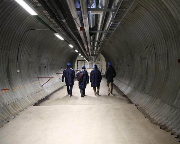 тоннель в хранилище