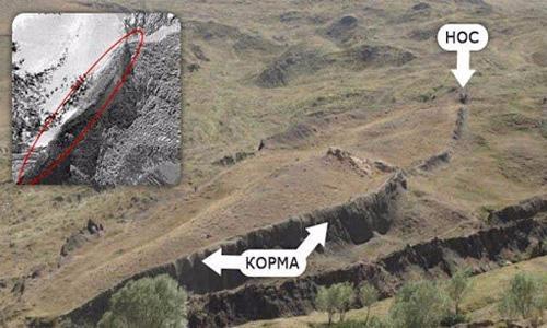 Одна из фотографий исследователей, которая показывает, что Ноев ковчег вмерз в землю