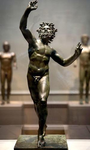 Скульптура «Танцующий Фавн», бронзовая статуэтка, которая находится в национальном музее искусств в Нью-Йорке