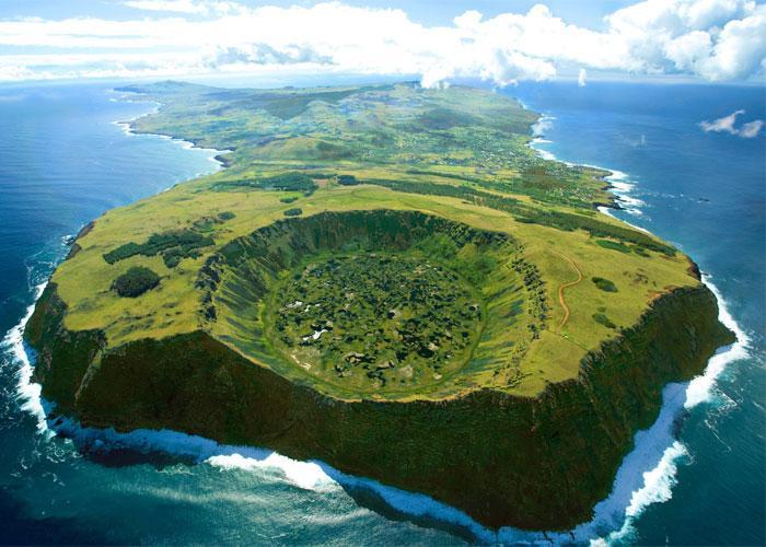 Остров Пасхи с высоты полета