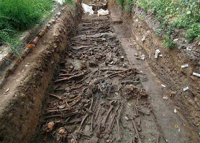 Обнаруженные современными археологами массовые захоронения