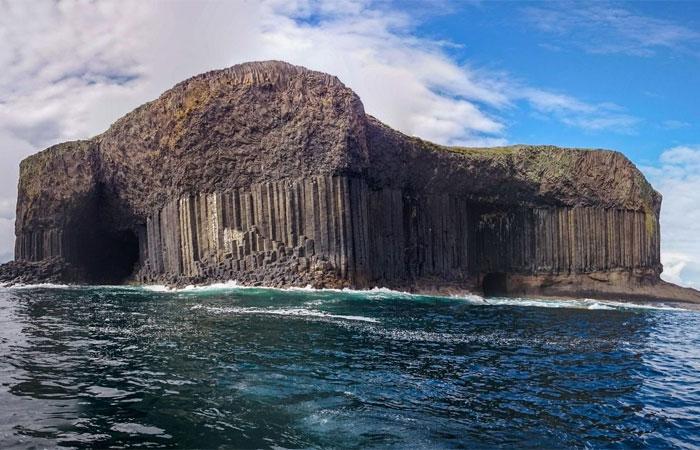Остров Стаффа и Фингалова пещера