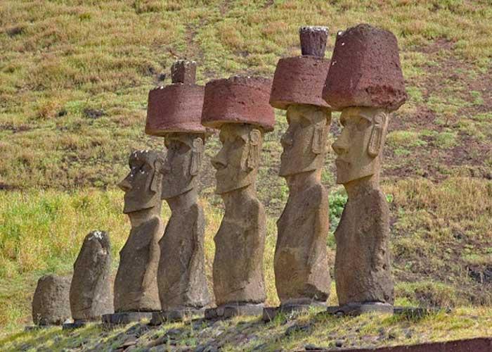 Идолы Пасхи в пукао