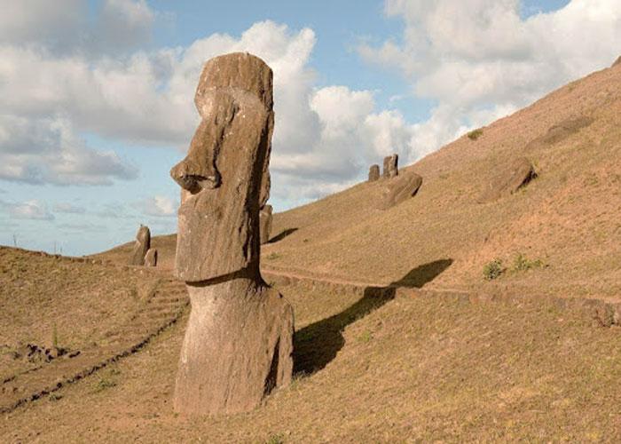 Моаи - интересный образ в мире искусства