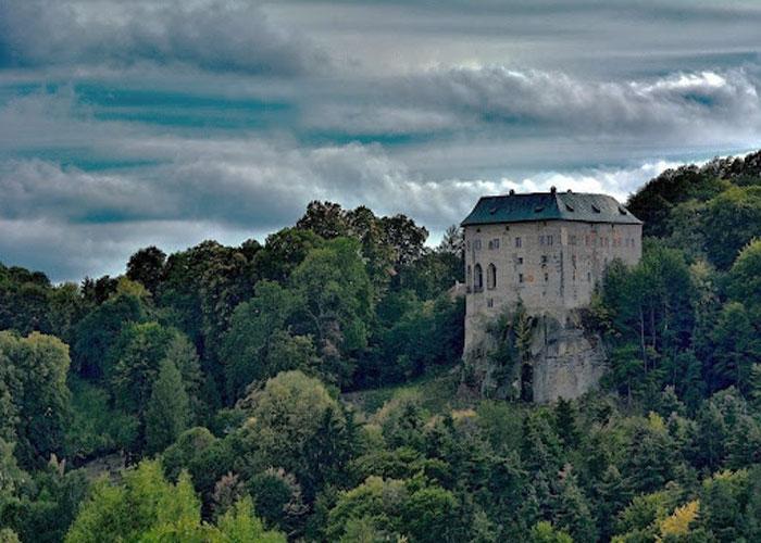 Таинственный и величественный чешский замок