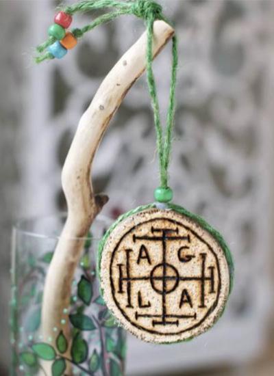 Амулет на удачу и богатство из дерева, изготовленный самостоятельно