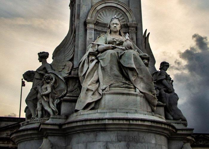 Мемориал королевы Виктории в Лондоне