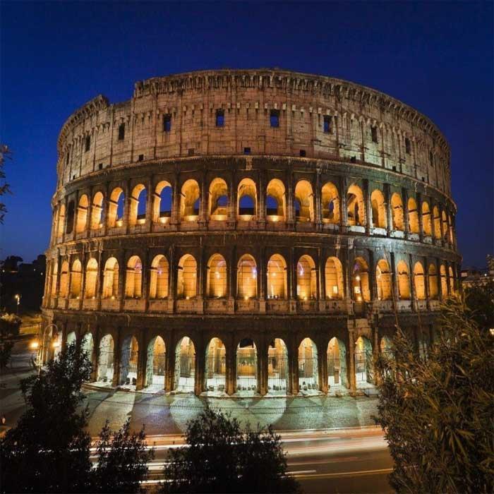 Внешний вид амфитеатра в Италии