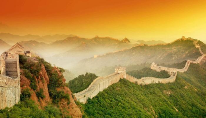 Китайская стена - одна из величайших архитектурных достопримечательностей