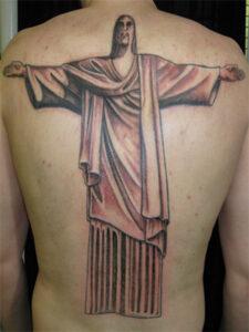 тату иисуса на спине
