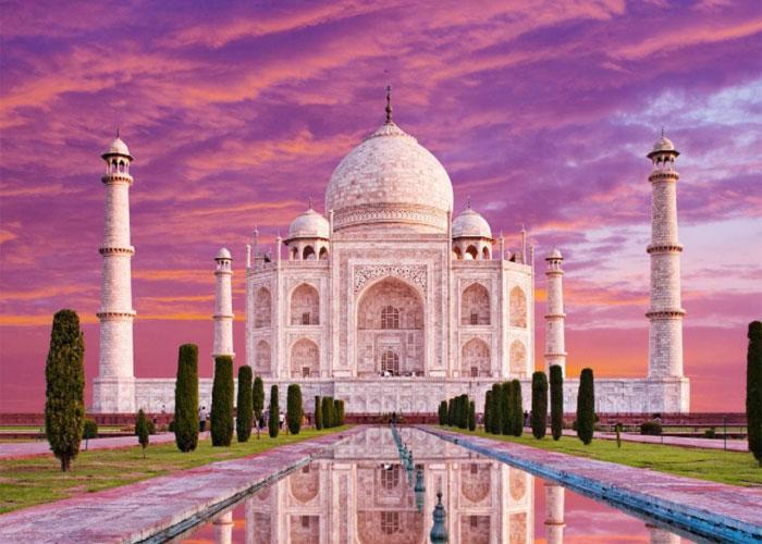 Невероятный Тадж-Махал в лучах закатного солнца