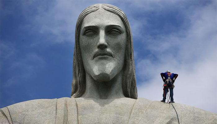 Вершина статуи Христа