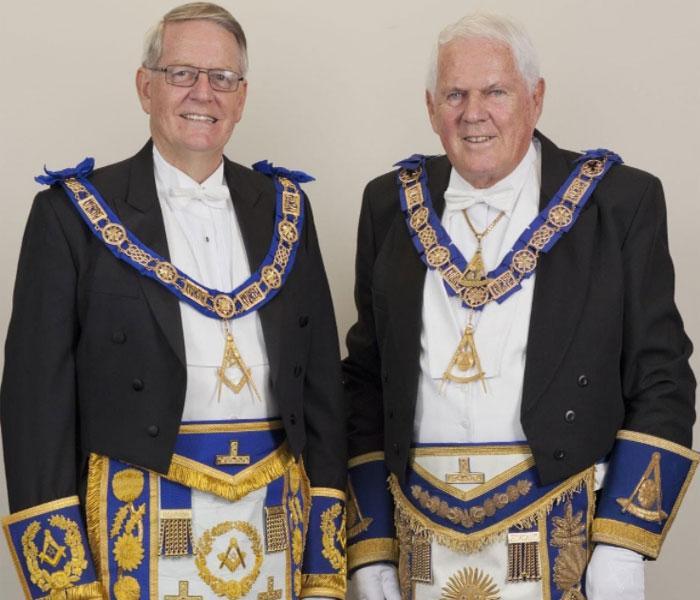Одеяние членов братства
