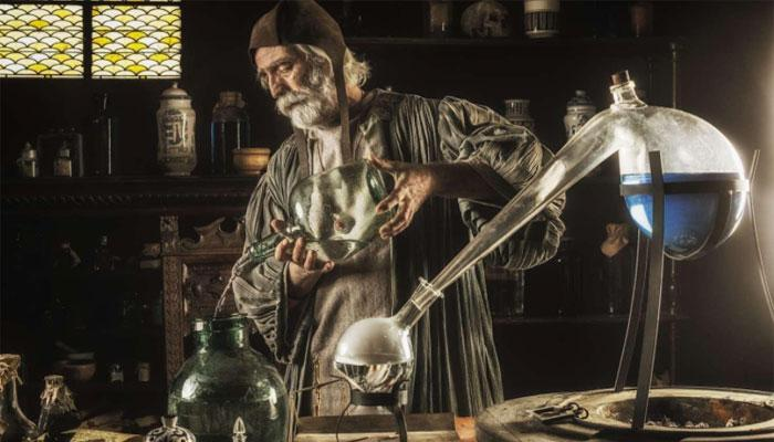 Алхимия занимала главенствующую позицию в учениях братства