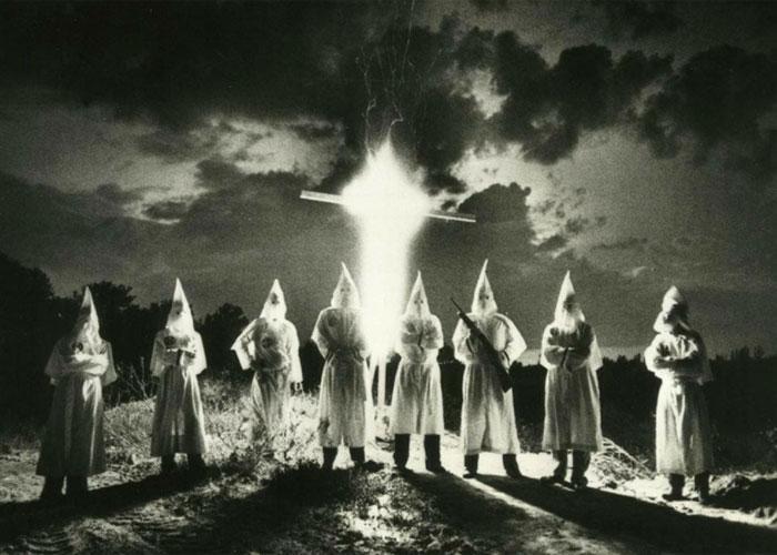 Одни из первых последователей расистского движения