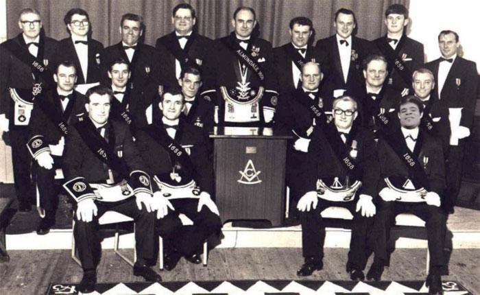 Собрание членов братства