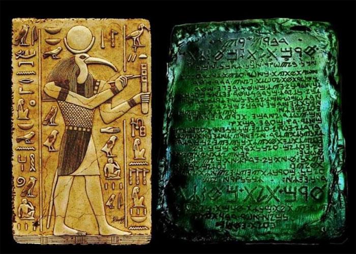 Изумрудные скрижали Тота, найденные в Египте