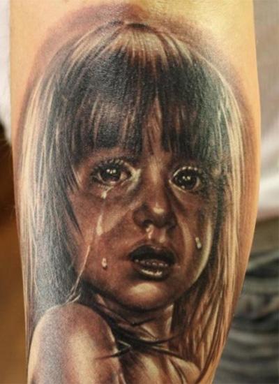 Татуировка ребенка в слезах