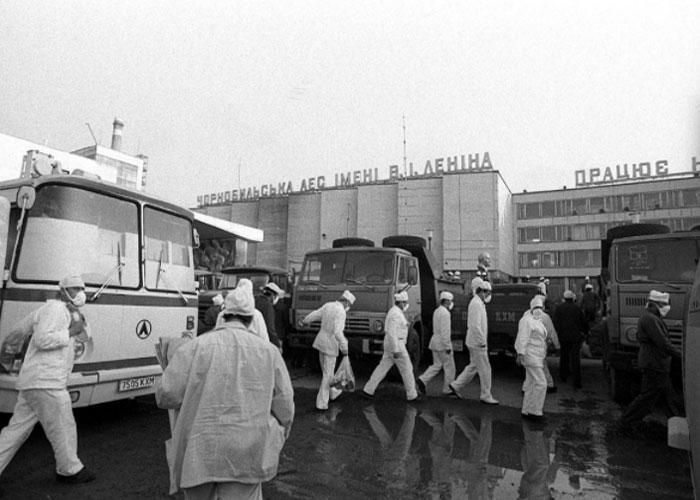 Эвакуация местных жителей из города